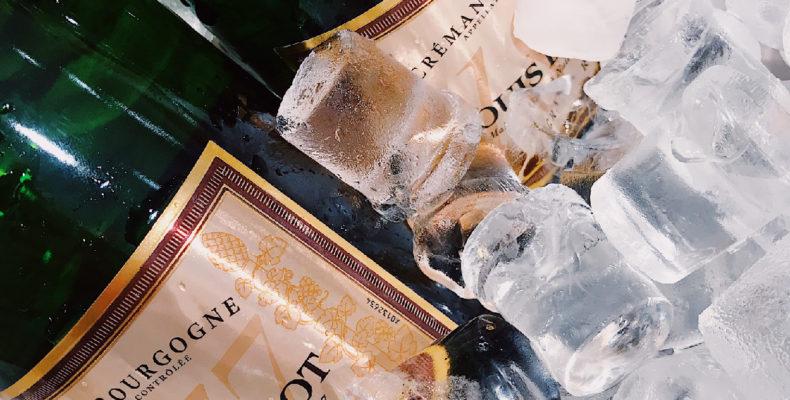 étquettes dans la glace avec colle spéciale